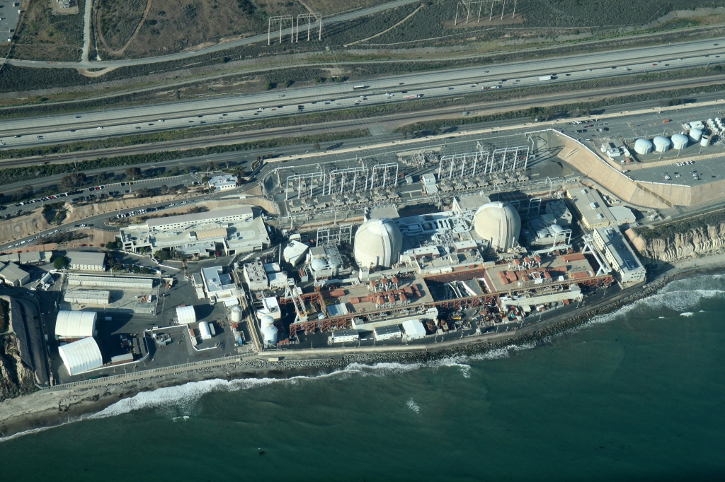 Aerial_San_Onofre_Generating_Station_May_2012