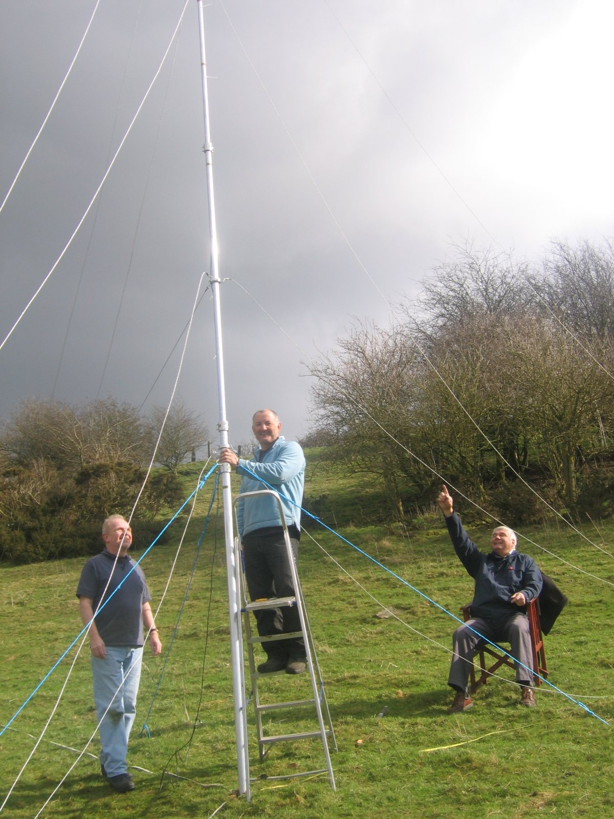 Volunteers in Ashton Hayes, England assess viability of a micro grid (Source: http://www.goingcarbonneutral.co.uk/photo-gallery/the-microgrid-study/)