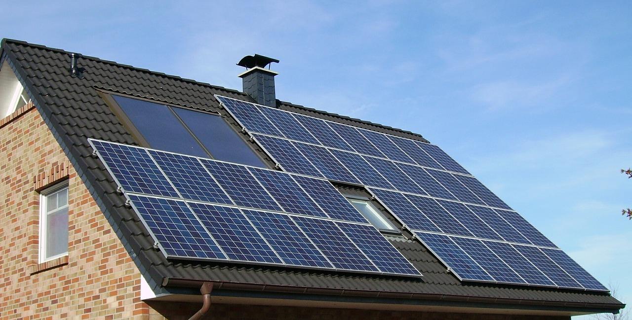 solar-table-1591358_1280